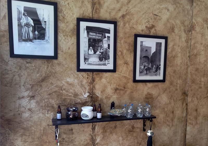 Scène de vie marocaine en noir blanc