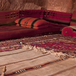 objets de d co marocaine tentes caidales riad marrakech rose sables. Black Bedroom Furniture Sets. Home Design Ideas