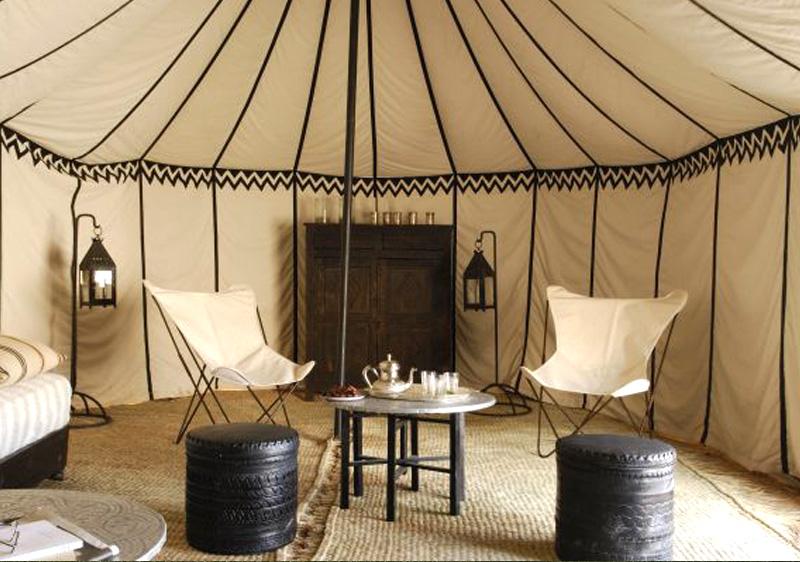 tente caïdale pas chere intérieur d'une tente caidale typiquement marocaine