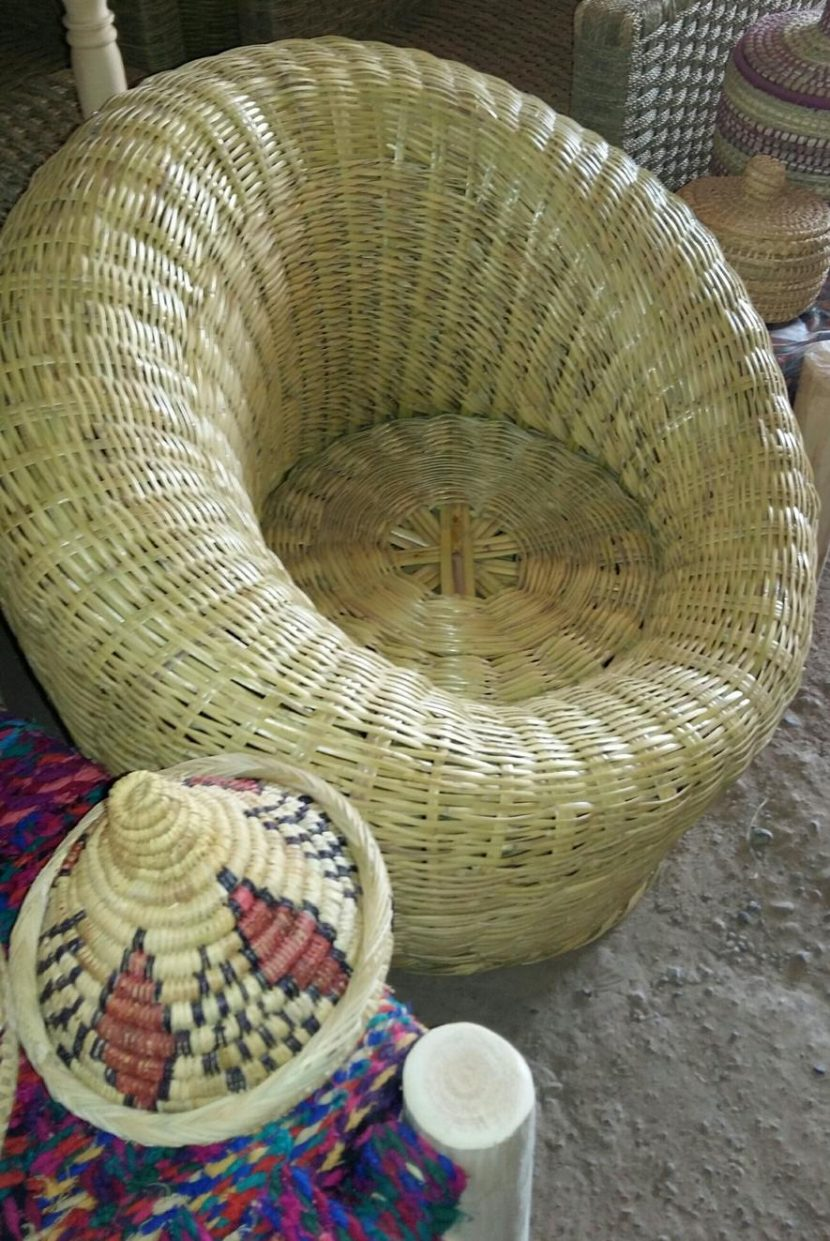 fauteuil bambou marocain boule osier tissé