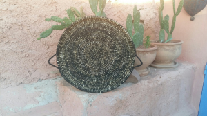 plateau ethnique feuilles de palmiers tissé laine
