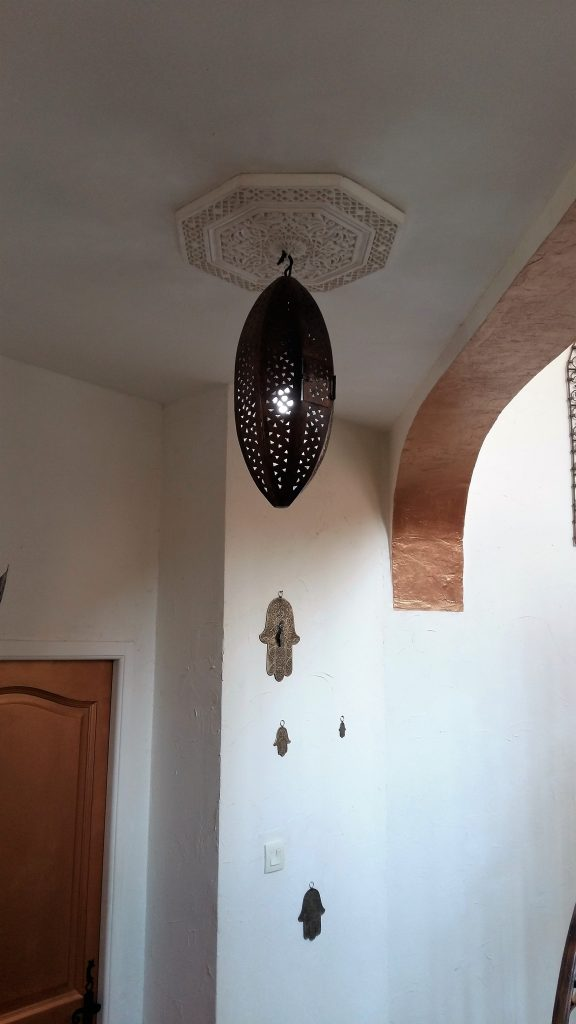 luminaire ciselé cuivré ajouré artisanalementolive etnic bohéme